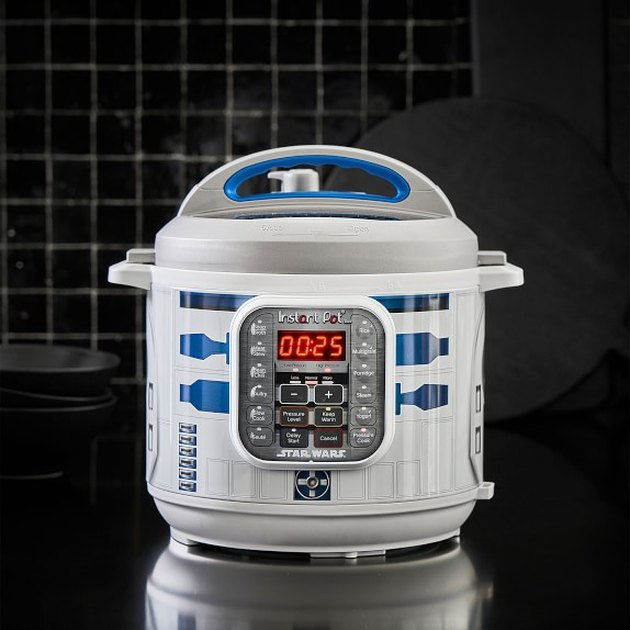 R2-D2 6-Qt. Pressure Cooker,