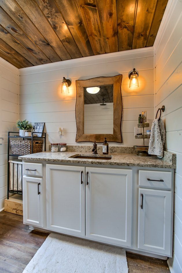 Granite Bathroom Backsplash