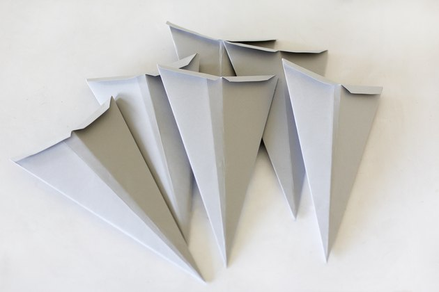 Paper pieces to make Scandinavian Christmas star