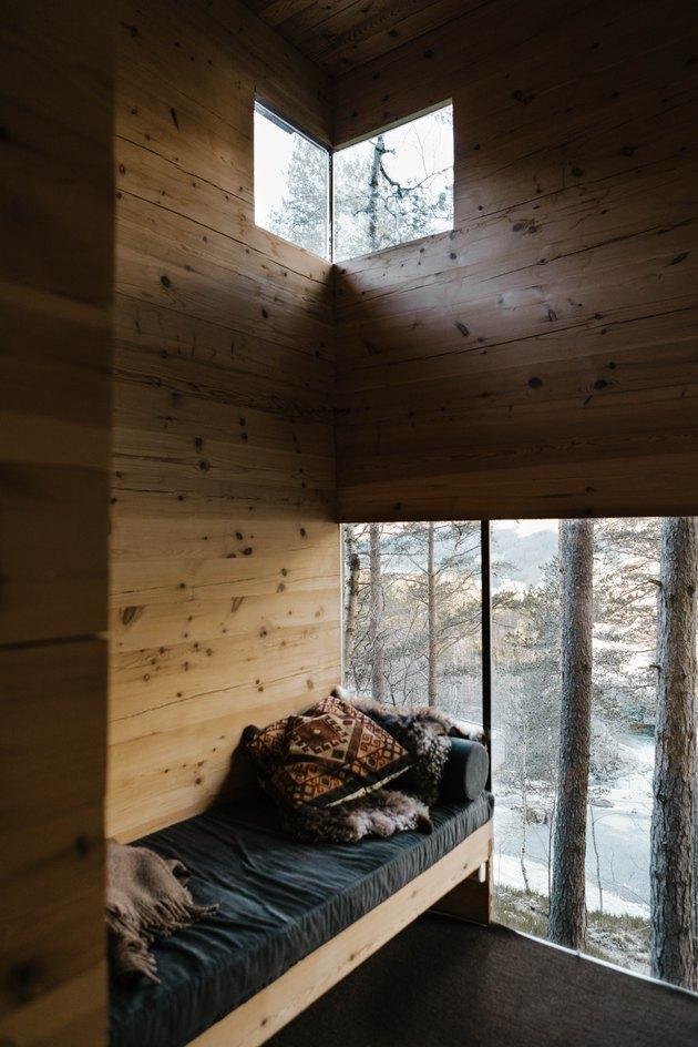 Birdhouse interior