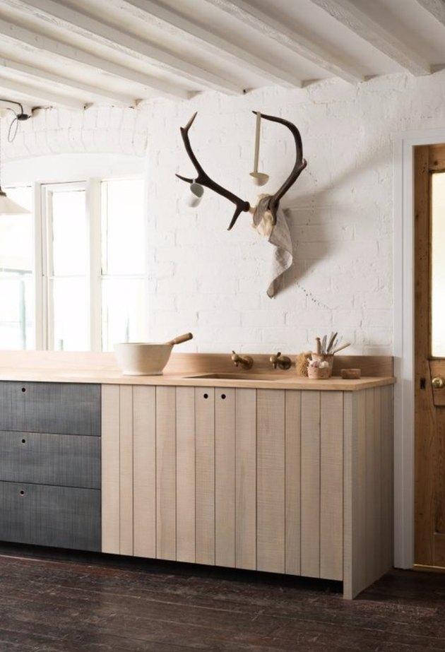 A modern farmhouse kitchen.