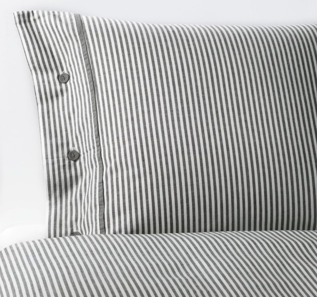 Nyponros Duvet Cover and Pillowcases, $29.99