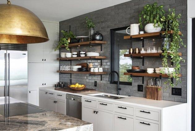 Gray Backsplash kitchen Idea by Dichotomy Interiors