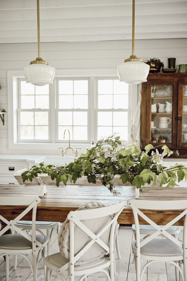 farmhouse DIY idea with trough centerpiece with greenery in farmhouse kitchen