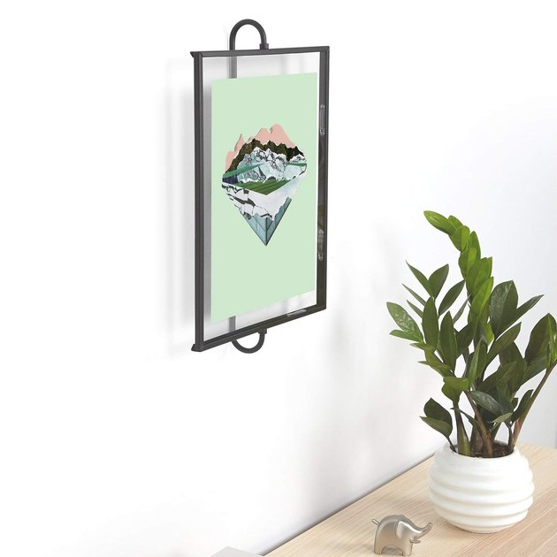 floating picture frame