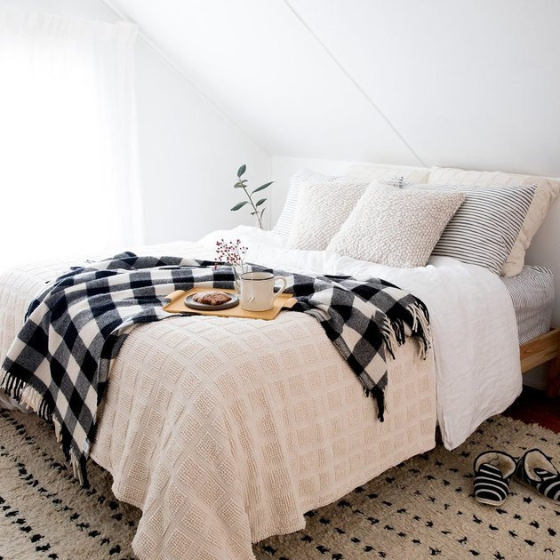 farmhouse bedding idea with buffalo Plaid Blanket from Schoolhouse