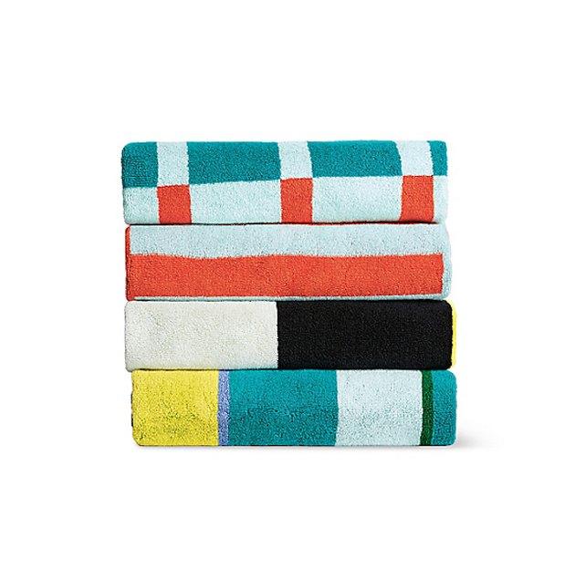 graphic geo towel