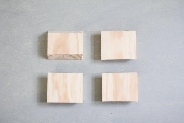 Quatre planches de 3 pouces