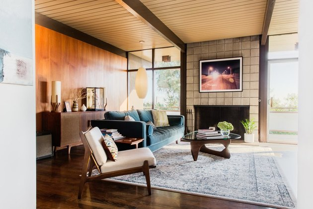 post-and-beam midcentury modern living room