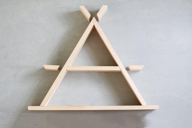 Assembling shelf