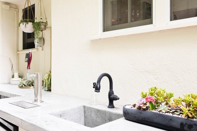 outdoor single-handle kitchen faucet