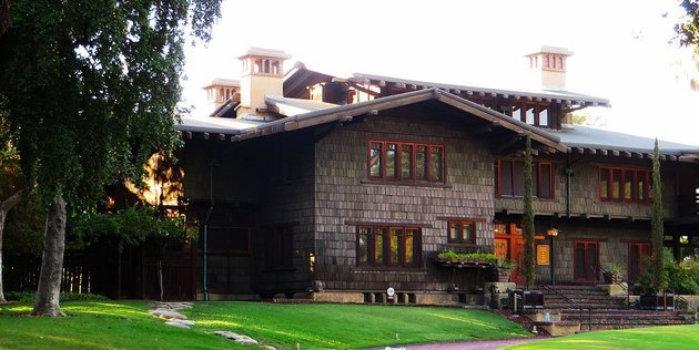 photo of craftsman style home