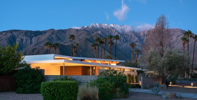 Midcentury modern prefab home in Palm Springs, California