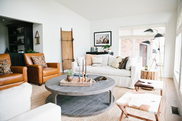 rustic family room ideas with leather arm chairs and gray coffee table