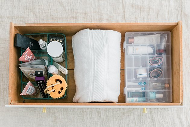 bathroom drawer organizing