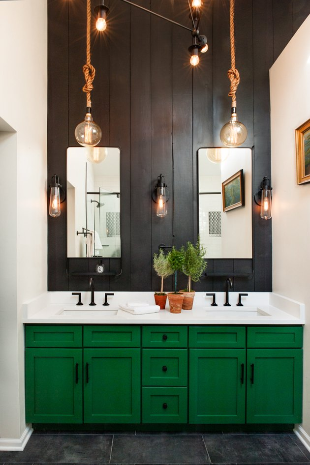 pendant bathroom lighting idea