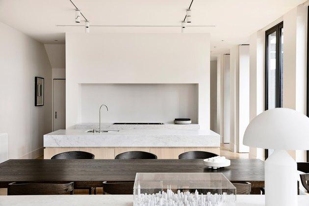 oak kitchen with chunky marble kitchen island