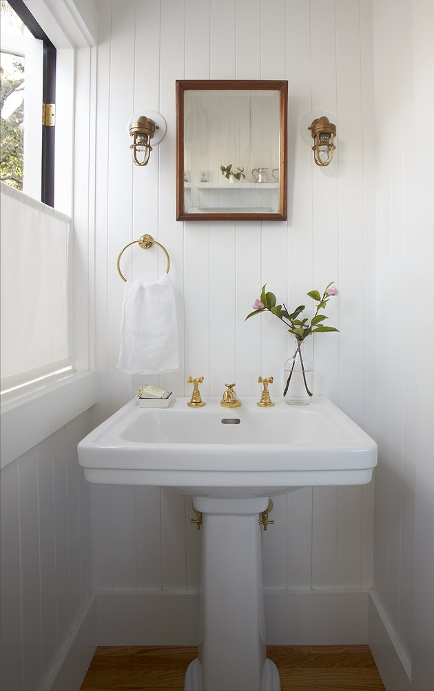 small bathroom white paint ideas