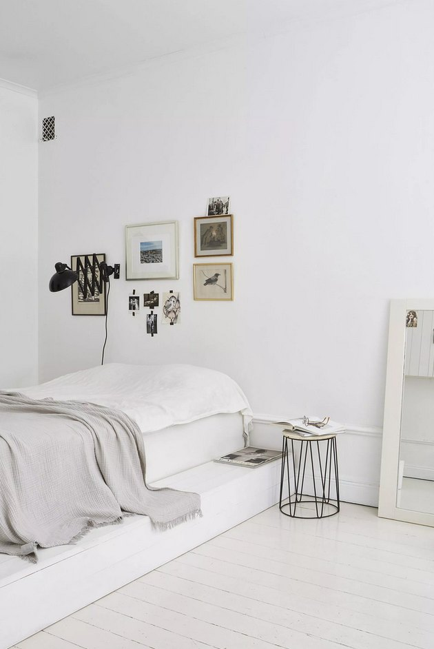 white bedroom ideas with gallery wall