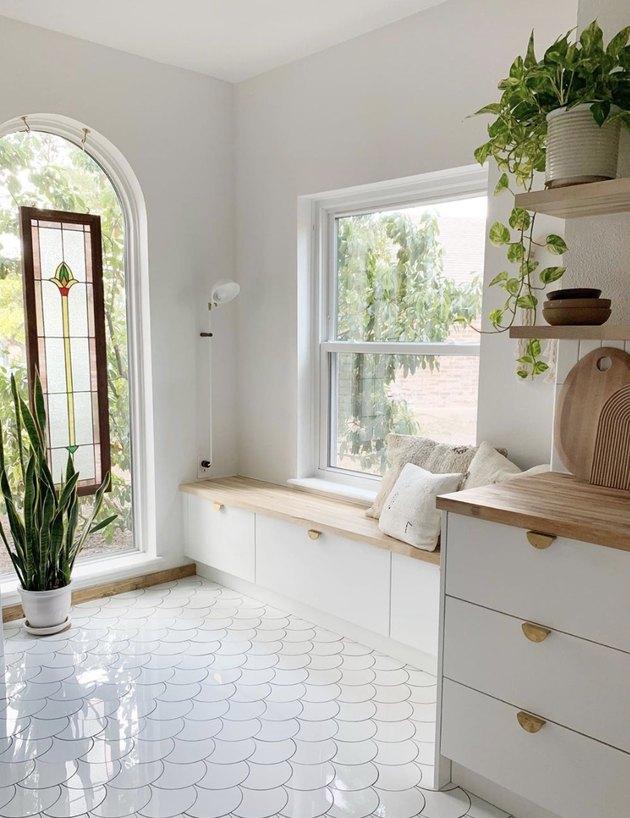 White scalloped kitchen floor tile patterns