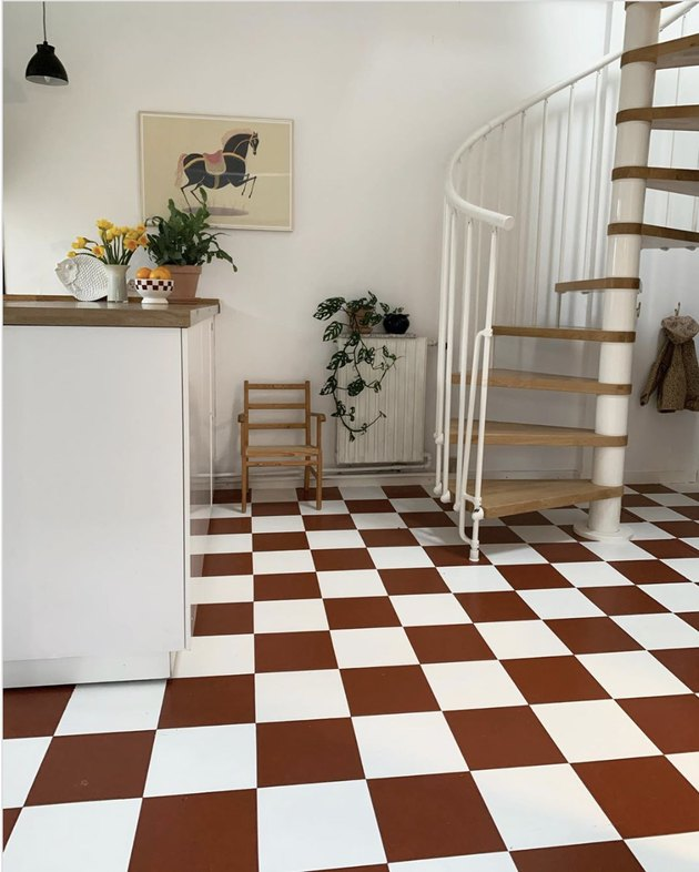 Rust and white checkerboard kitchen floor tile patterns