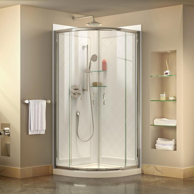 Acrylic shower by DreamLine