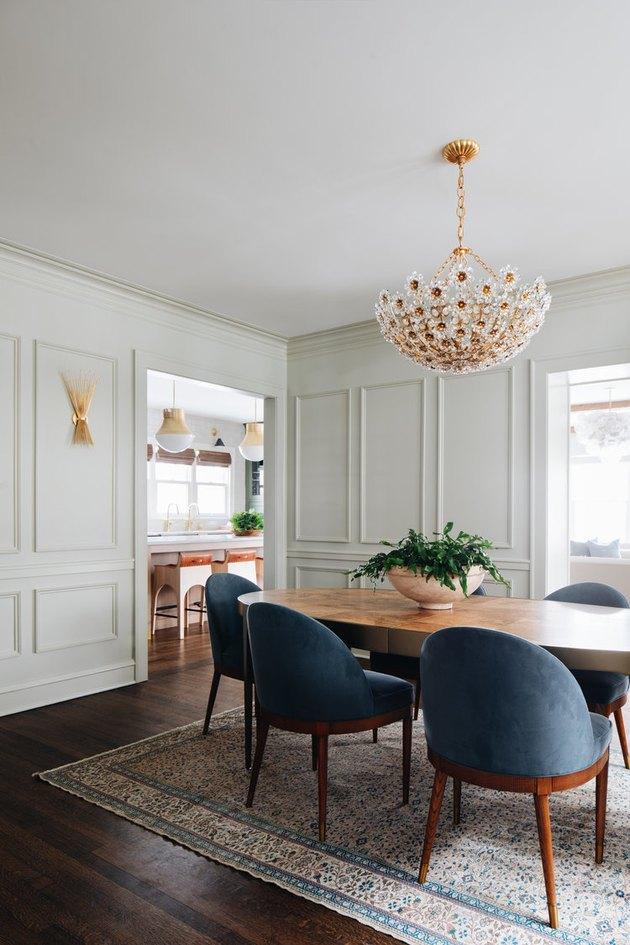 traditional dining room lighting