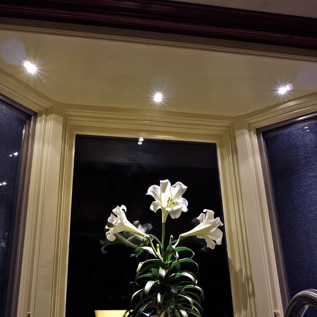 Bay window recessed lighting.