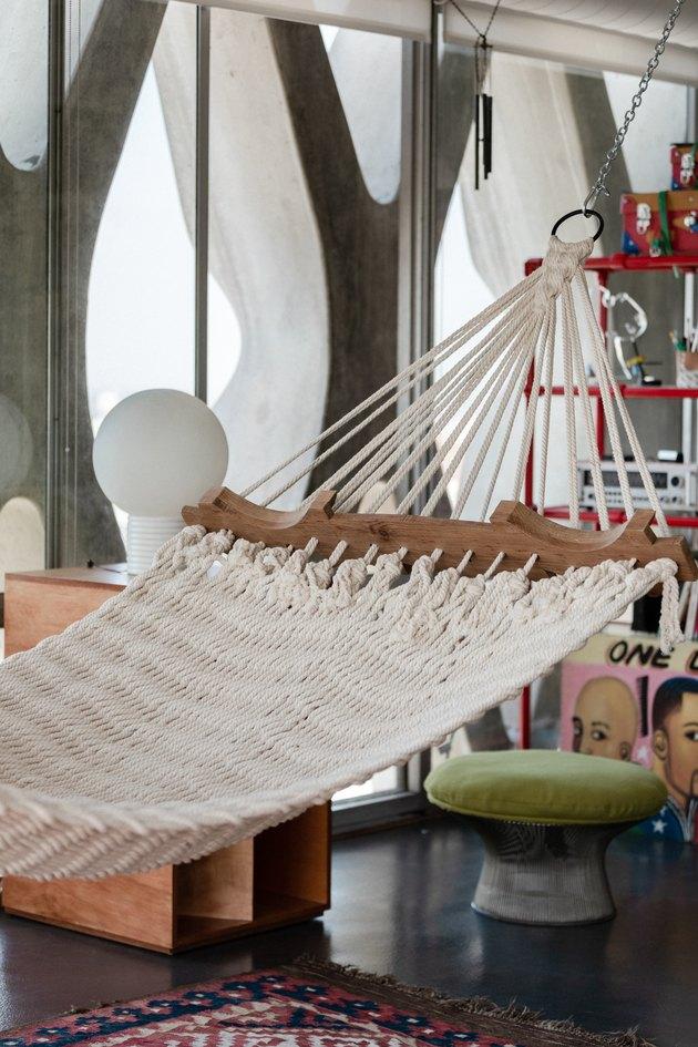 Iris Alonzo loft - hammock
