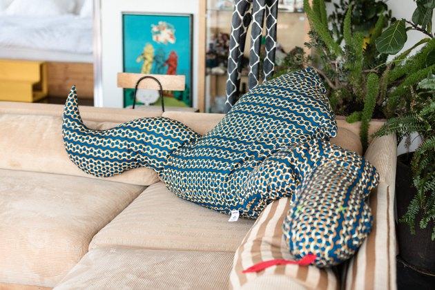 Iris Alonzo loft - body pillow