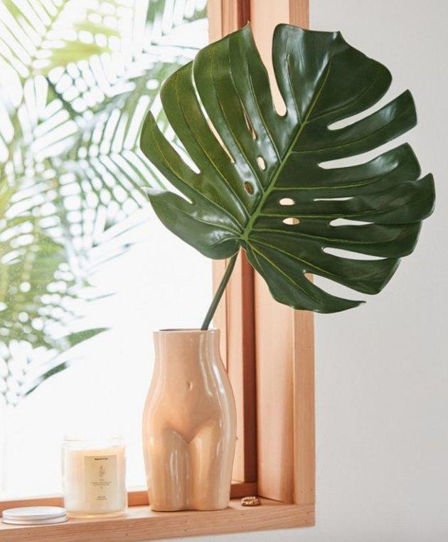 faux leaf decor