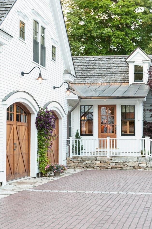 farmhouse style garage doors