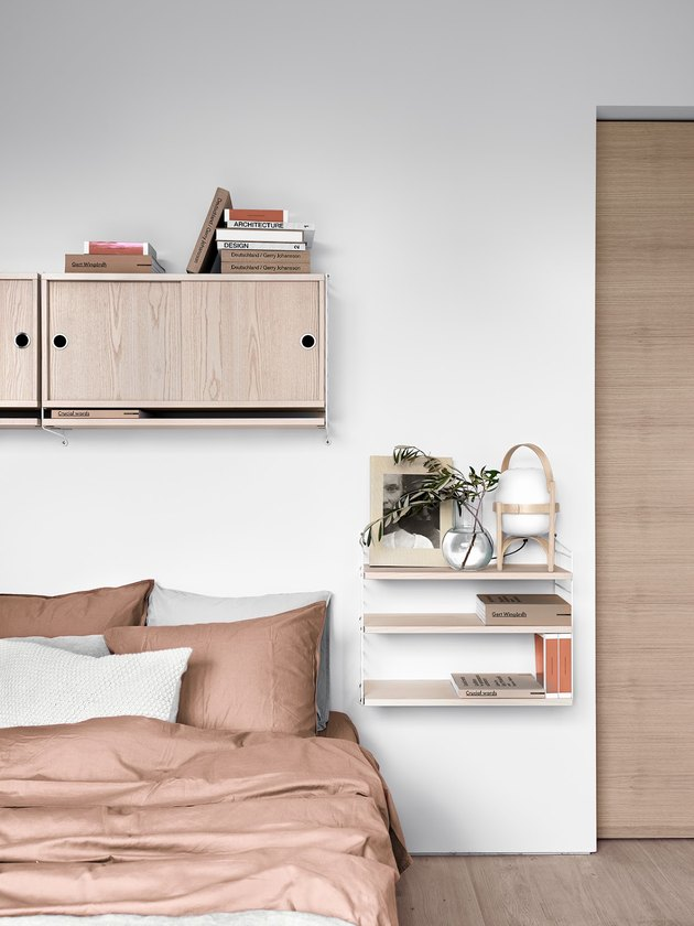 Bedroom shelving idea for modern pink bedroom