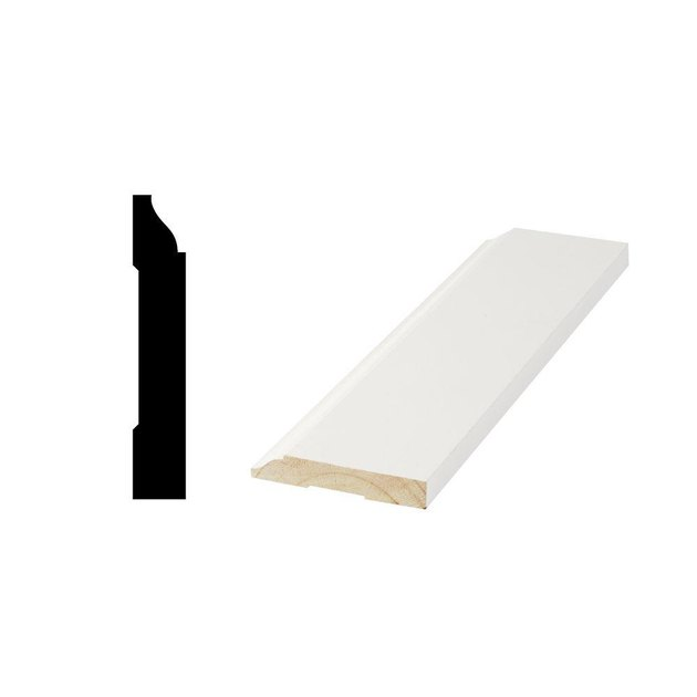 Colonial baseboard molding