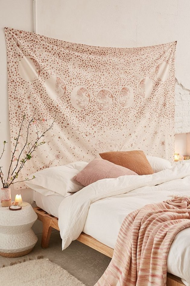 tapestry, tapestry above bed