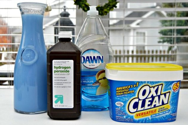 Homemade Carpet Cleaner to Use with Machines for Deep Cleaning