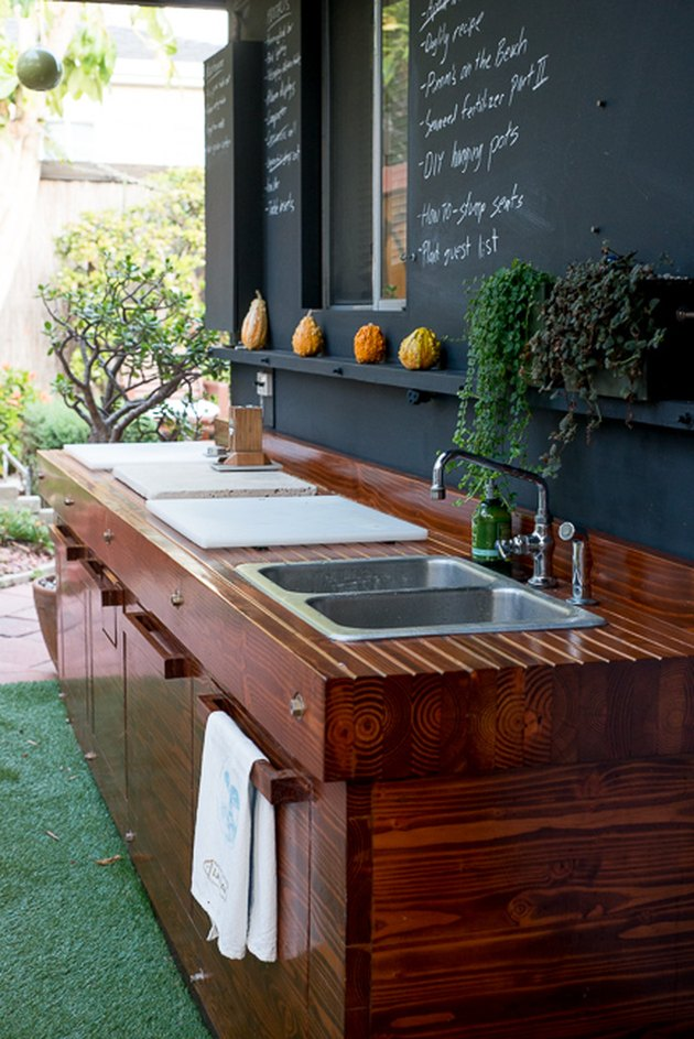 outdoor kitchen idea with chalkboard