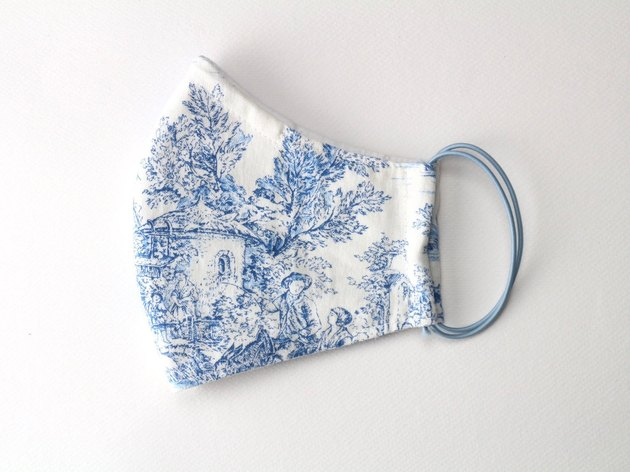 toile face mask