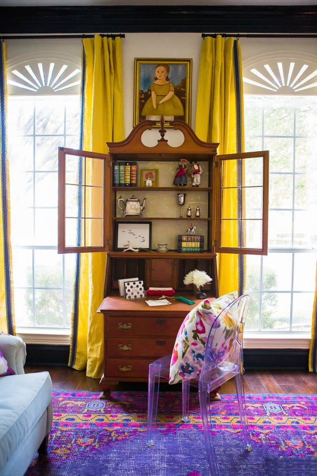 colors that go with purple with yellow curtains and purple rug