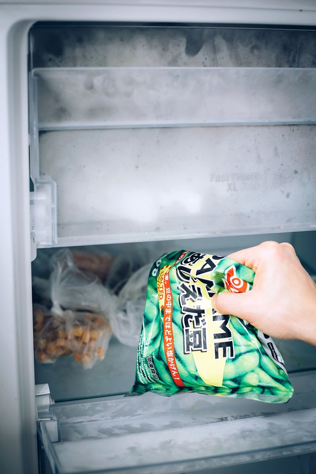 Removing food to clean freezer