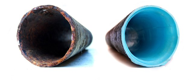 Side by side comparison of damaged pipe and CIPP liner.