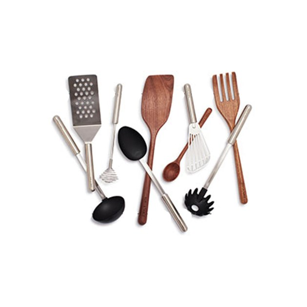 sur la table kitchen tools