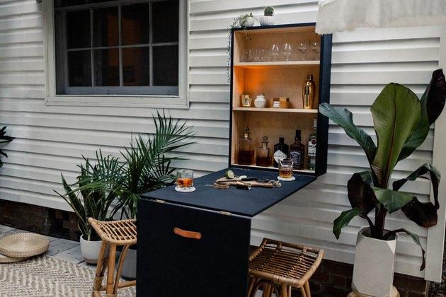 DIY Outdoor Murphy Bar