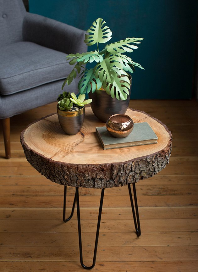 DIY rustic coffee table with wood slice tabletop and hairpin legs