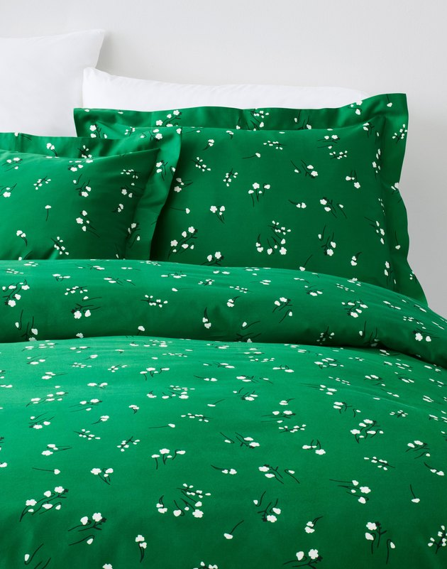 green wildflower pattern bedding