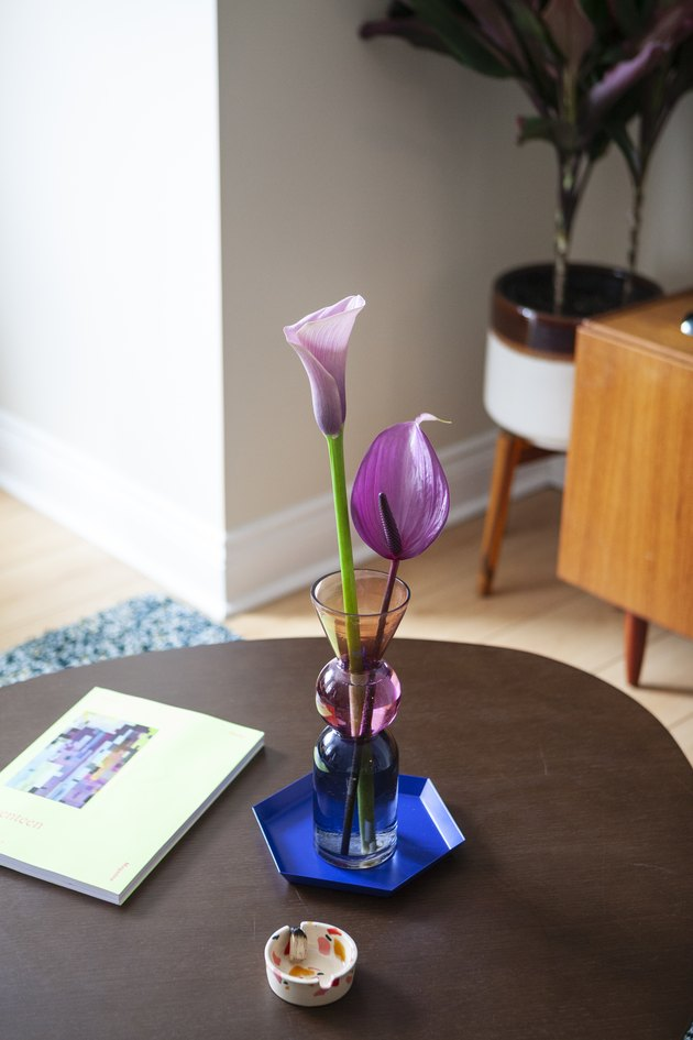 Flowers in vase on coffee table