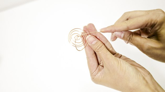 Shaping wire for DIY air plant tree holder
