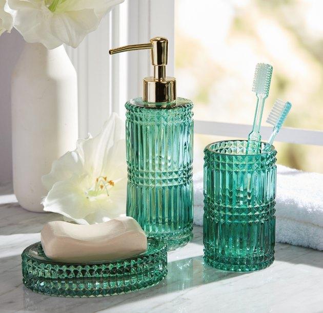 turquoise bathroom accessory set