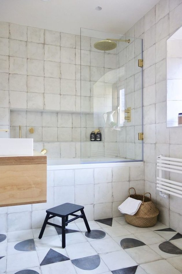 black-and-white bathroom idea with encaustic tile