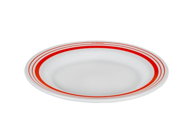 Le Creuset everyday enamelware dinner plate